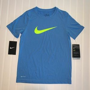 🆕 Nike dri-fit t-shirt